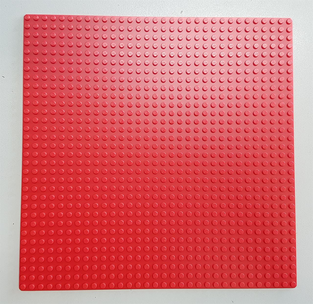 0004322_5057-32x32-red-baseplate